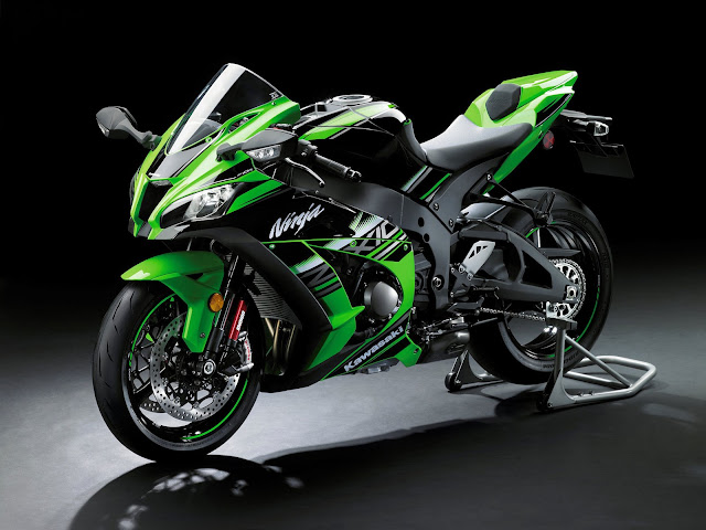 Kawasaki ZX-9R Review