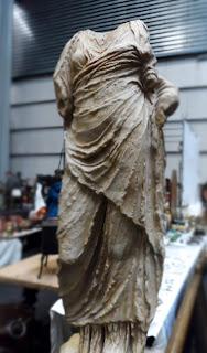 Escultura en el desembalaje de Bilbao