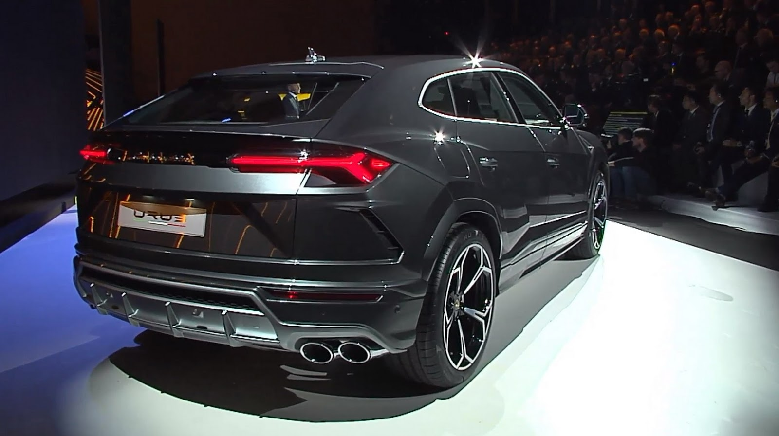 lamborghini urus official worldpremier launch 165 000 suv is the world s fastest off roader. Black Bedroom Furniture Sets. Home Design Ideas