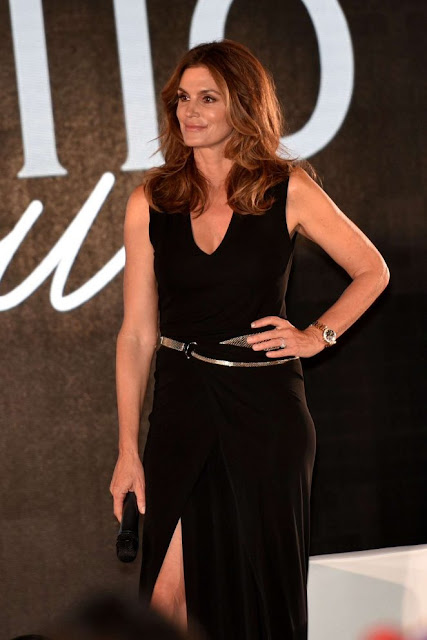 Cindy Crawford – San Benedetto's Party in Venice