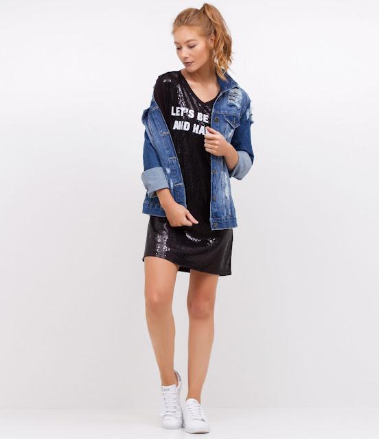 Moda: Vestido T-shirt frente em paetê