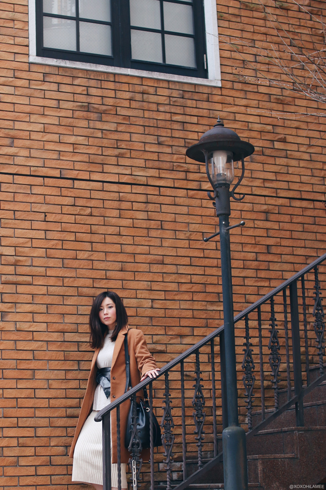 日本人ファッションブロガー,Mizuho K,20170224今日のコーデ,SheIn-ブラウンコート,ZARA-セーター,Dresslily-ニットミディスカート,YOINS-ブラックフェイクスウェードポインテッドトゥパンプス,Shein-バケツバッグ,メルカリ-サッシュベルト,SheIn-スターイヤリング,フェミニンシックコーデ