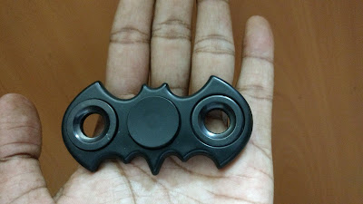 Benefits, Uses, Tricks of Fidget Spinner (Batman)