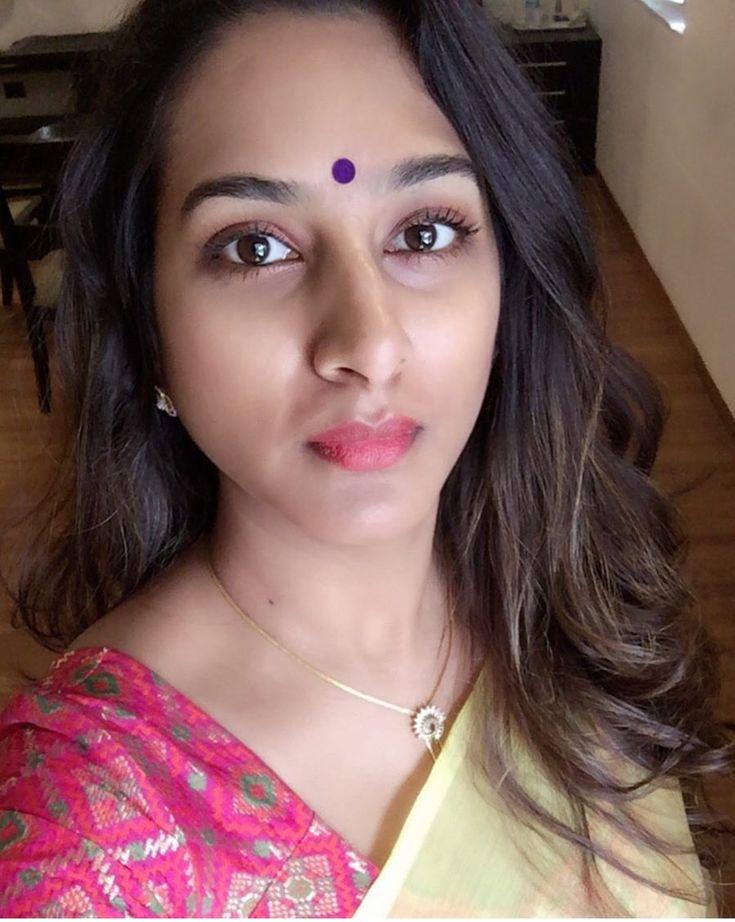 indian tv model surekha vani face long hair stills indian models