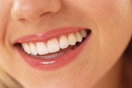 6 Rahasia Membuat Gigi Putih Bersinar Sepanjang Hari