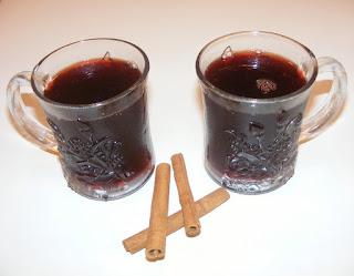 bauturi, izvar, vin fiert, sanatate, remedii, raceala, gripa, leac, bautura calda, vin condimentat, vinuri, vin rosu de butuc,