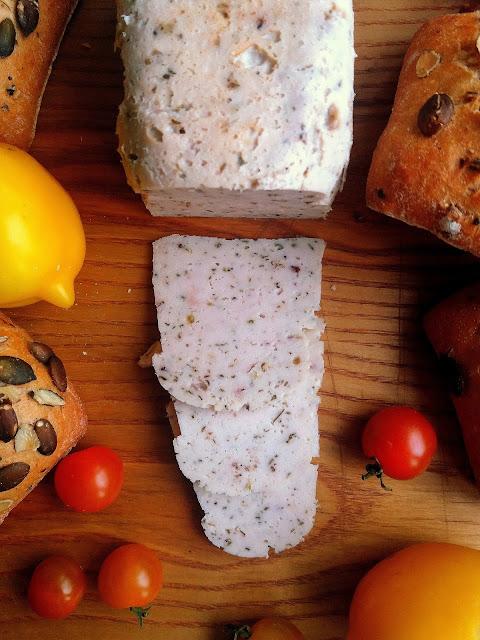 Drobiowa szynka z ziołami / Homemade Turkey Ham with Herbs