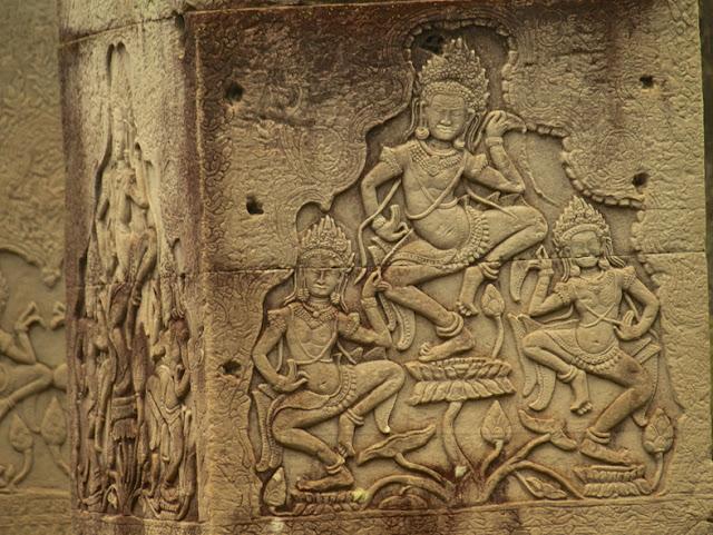 Danzantes-templo-Bayon-Angkor-Camboya