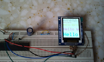 PIC18F4550 microcontroller with ST7735R TFT BlackTap (ST7735S)