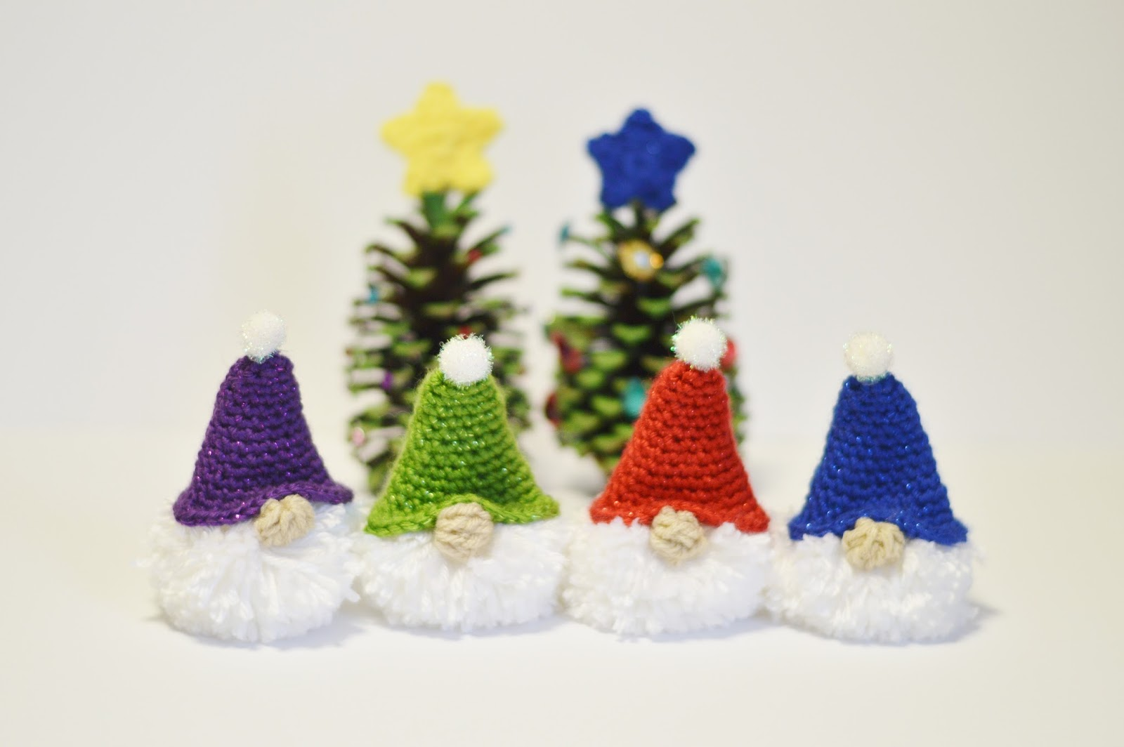 With Alex: Puffball Gnome Ornament Free Crochet Pattern