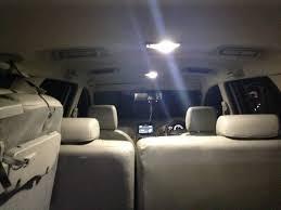 Fungsi lampu ruangan pada mobil