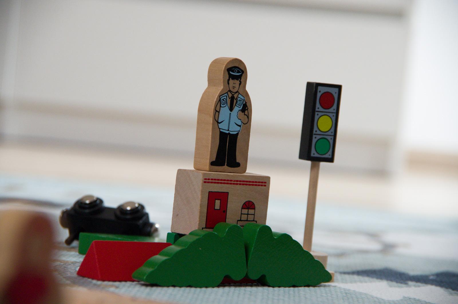 drewniane zabawki dla najmłodszych