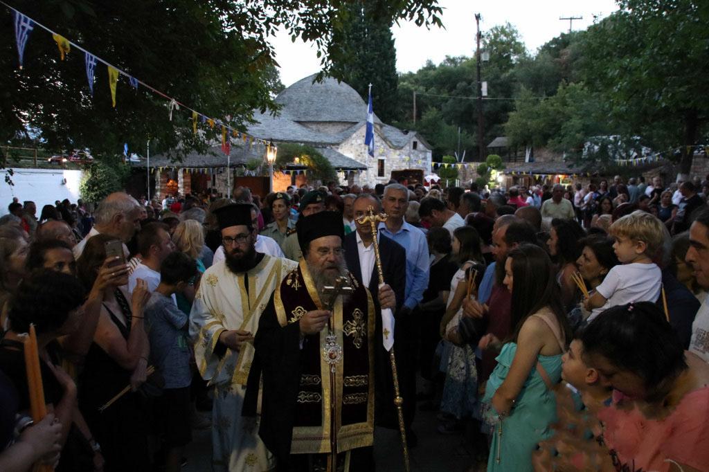 Πλήθος λαού στο Πανηγύρι του Προσκύνηματος Αγίας Μαρίνας Μοδίου (ΦΩΤΟ)