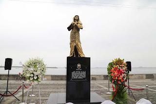 bronze statue honoring comfort women in Manila