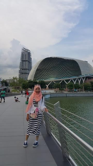 cara menuju esplanade singapore