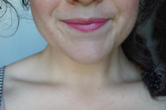sugar_tulip_tinted_lip_treatment_sunscreen_spf_15_fresh_lip_care_balm_baume_revue_avis_swatches_02