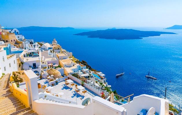 Aluguel de carro na Ilha de Santorini na Grécia