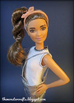 http://themonstercrafts.blogspot.com/2017/07/doll-review-barbie-fashionistas-kira-petite.html