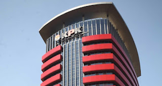 KPK Periksa Ajudan Atty Suharti Terkait Kasus Suap Pembangunan Pasar Cimahi