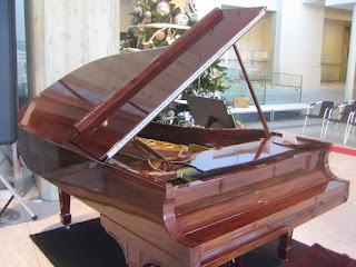 1923年スタンウェイ製マホガニーのピアノ
