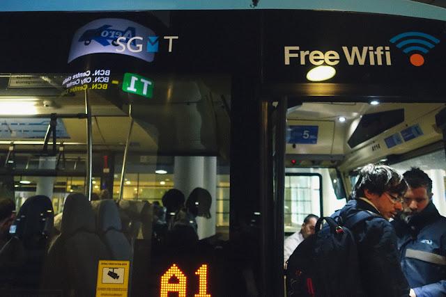 バルセロナ=エル・プラット空港から市内へ空港バスで移動