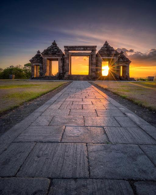Liburan tour wisata ke Candi Ratu Boko Yogyakarta   Harga tiket, alamat, foto