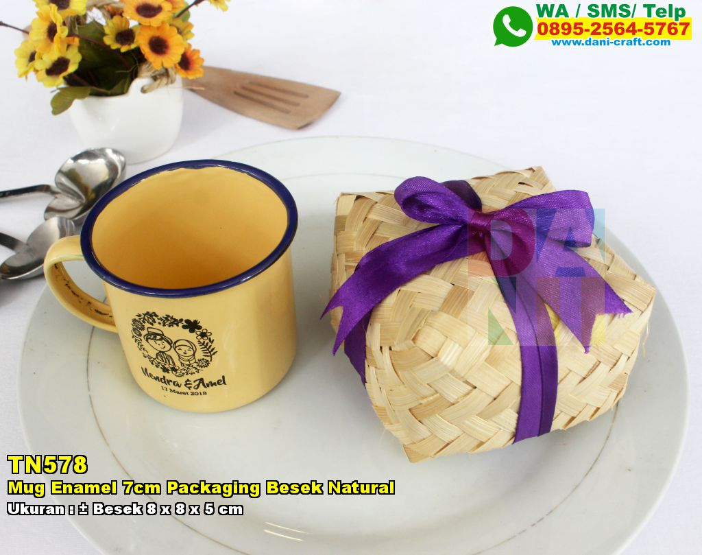 Mug Enamel 7cm Packaging Besek Natural Souvenir Pernikahan