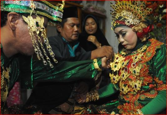 Cewek Bugis Cewek Paling Mahal Se Indonesia