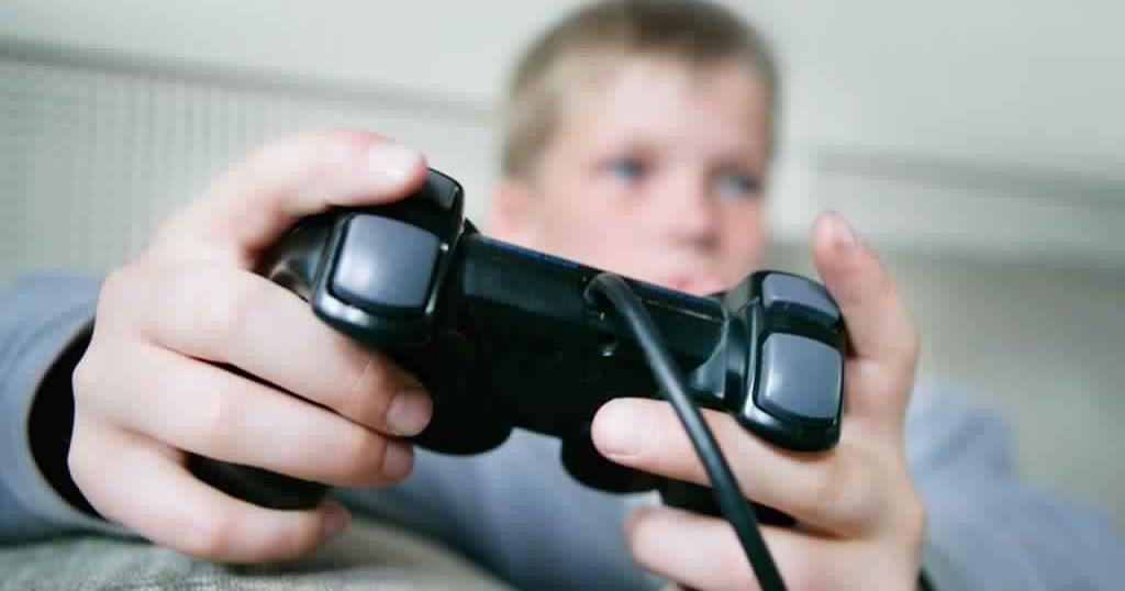 آثار ألعاب الفيديو علی الأطفال