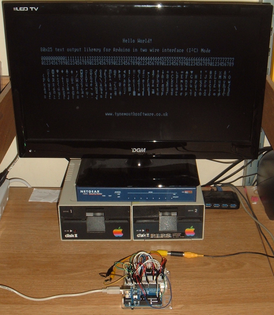 Tynemouth Software: Arduino 80x25 TV Video Output Library I2C Mode