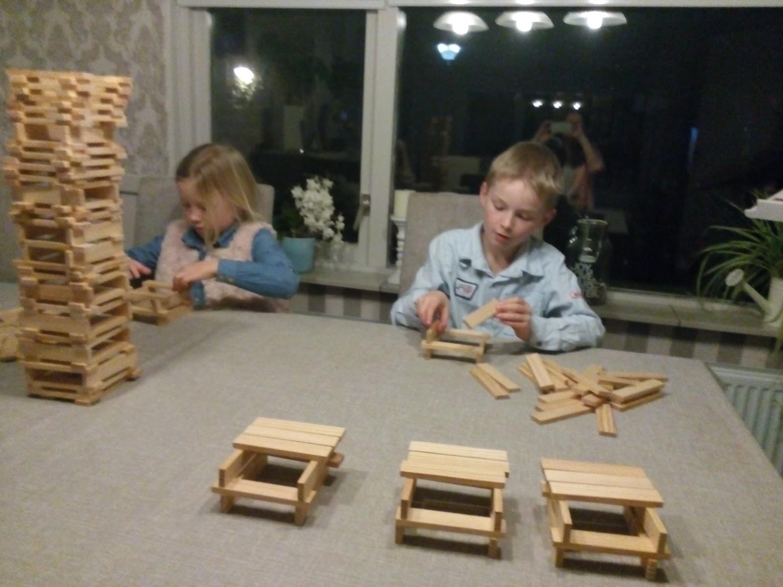 Schrijfgelukjes: Gezinsmoment: de toren van Babel