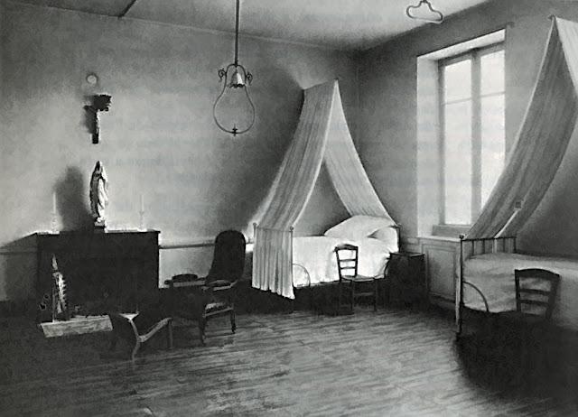 Enfermagem do convento onde trabalhou e morreu Santa Bernadette