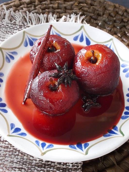El gato goloso: recetas de Navidad -  Manzanas pochadas en sangría