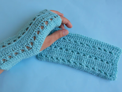 https://crochetcrosiahome.blogspot.com/search/label/Crochet%20Gloves%20Pattern%201
