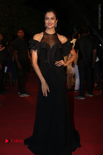 Actress Shu Aiyappa Stills in Stylish Black Long Dress at Gemini TV Puraskaralu 2016 Event  0074.JPG