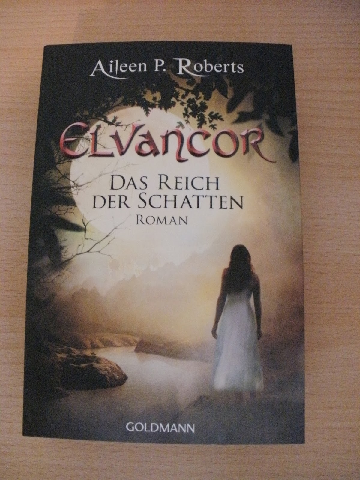 http://www.amazon.de/Das-Reich-Schatten-Elvancor-Roman-ebook/dp/B00E7PVO18/ref=sr_1_2?s=books&ie=UTF8&qid=1424039667&sr=1-2&keywords=elvancor