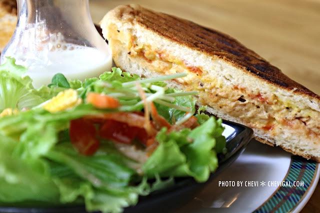 IMG 1715 - 台中西屯│1770 Cafe*棉花糖噗啾蛋好綿密。熱壓古巴麵包餡料滿滿。悠閒用餐好去處