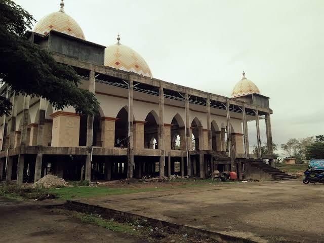 Pembayaran Menunggak, Listrik Islamic Center Sinjai Dicabut PLN