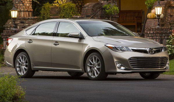 amazing videos toyota avalon xle 2013 review. Black Bedroom Furniture Sets. Home Design Ideas