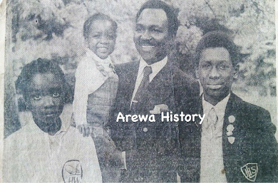 Beautiful throwback photos of former Head of state, Yakubu Gowon and his children