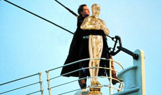The Best Leonardo Dicaprio Oscar Win Memes (26 Pics)