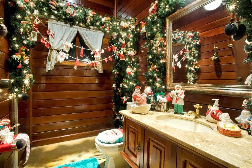 Decorar un ba o en navidad colores en casa for Fotos de banos decorados