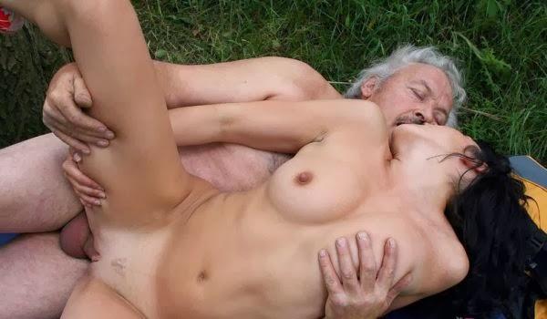 Молодые и старые порно ролики