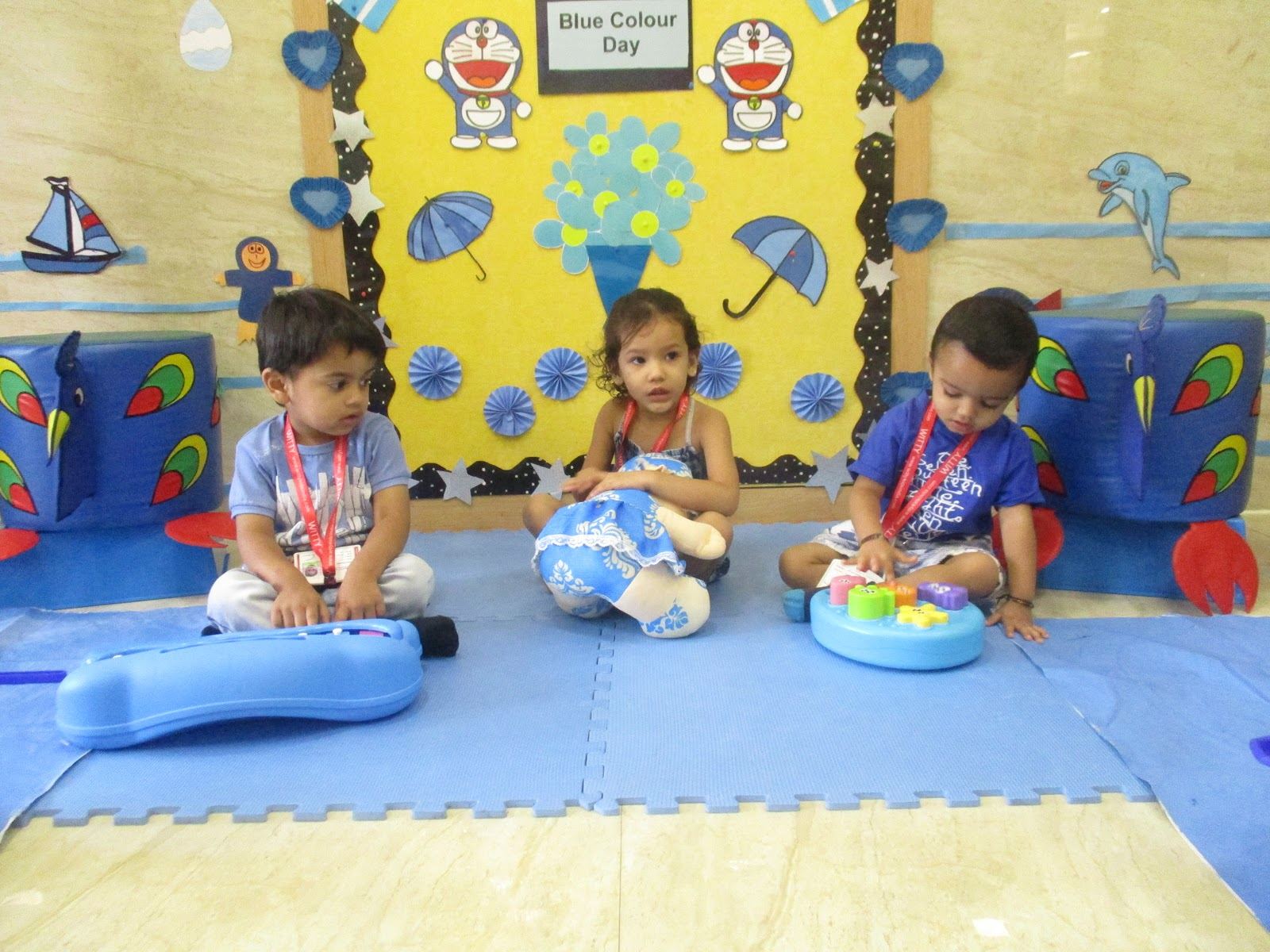 On the top of the World   : Blue Colour Day (Play Group, Witty World