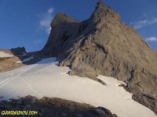 Cara sur Picu Urriellu Naranjo de Bulnes, Fernando Calvo Guia de alta montaña UIAGM