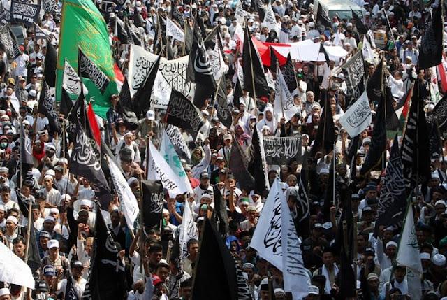 Yusril tegaskan Bendera Berkalimat Tauhid bukan Lambang HTI