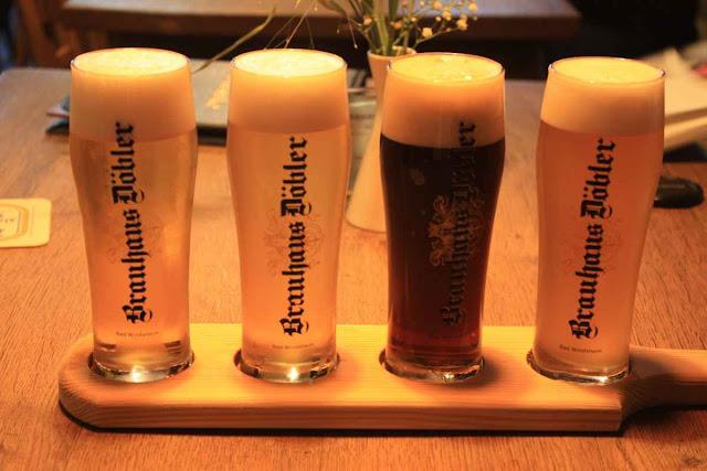 Bierprobe vom Brättla © Copyright Monika Fuchs, TravelWorldOnline