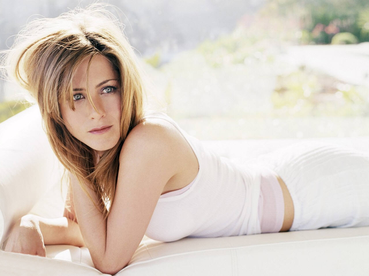 Jennifer Aniston: Star 10: Actress Jennifer Aniston Sexy Wallpapers & Photos