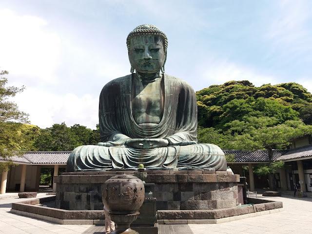 Daibutsu bronzeo tempio di Kōtoku-in a Kamakura