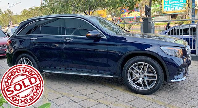 Mercedes GLC 300 4MATIC 2017 màu Xanh nội thất Kem qua sử dụng